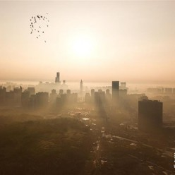 晨雾漫贵阳