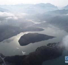 秦巴明珠 瑰丽瀛湖