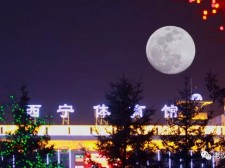 """【组图】Manbetx苹果版下载这帮""""老汉""""用相机霸占了昨晚大半的美"""