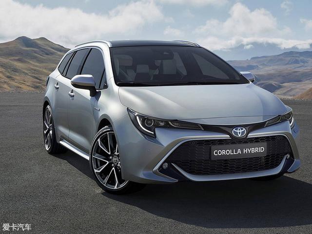 丰田Auris于2018年日内瓦车展正式发布,爱卡汽车近日从海外媒体获悉,丰田暂且告别Auris车型,并留出空间打造全新车型,新车先期在欧洲地区进行销售,整体造型偏向于旅行车设计风格,目前被称为Corolla Touring Sports,同时新车为后排乘客提供更好的腿部空间。   丰田CorollaTouring Sports,整体车身设计风格偏向旅行车,同时前脸造型和此前2018日内瓦车展上正式发布的Auris外观十分相似,夸张的进气格栅有很强的视觉冲击力,大灯组整体造型犀利,前大灯有望采用LED光