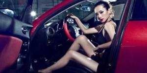 春节开车防瞌睡 扇耳光和风油精到底哪个更管用?