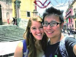 小伙辞职游世界3年 走过6大洲带回美国女友