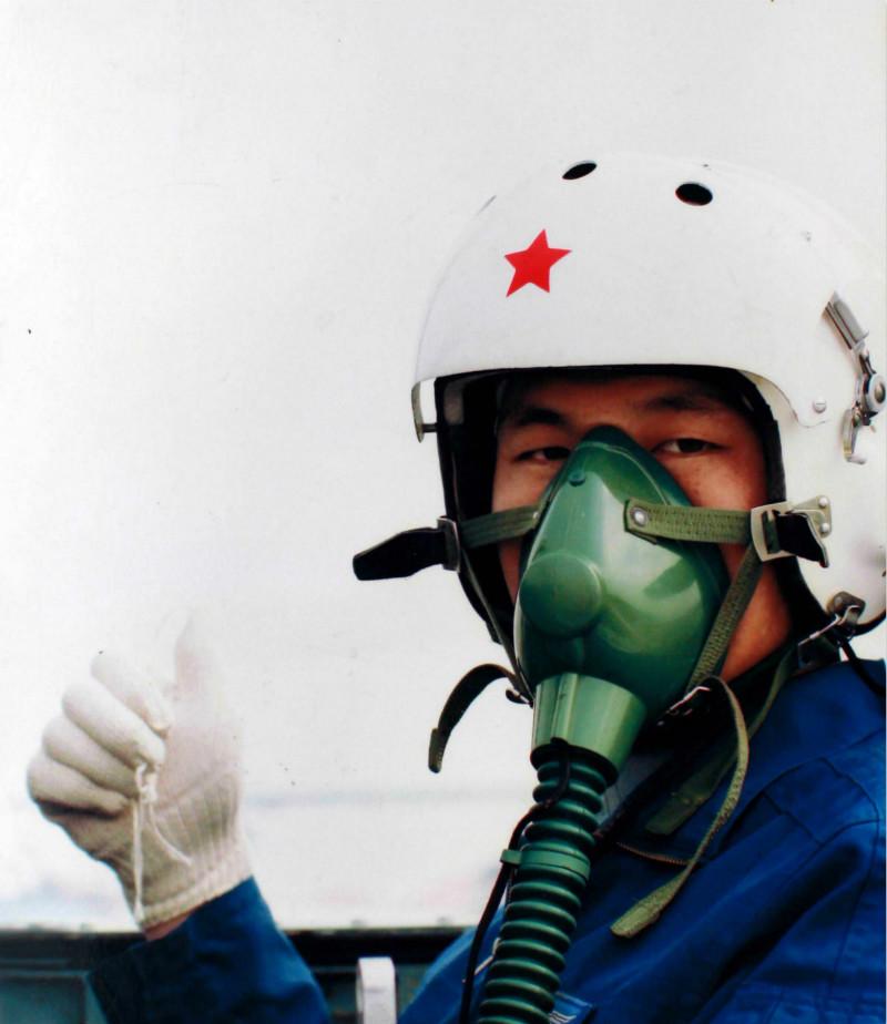冯思广: 生死关头他选择保护群众