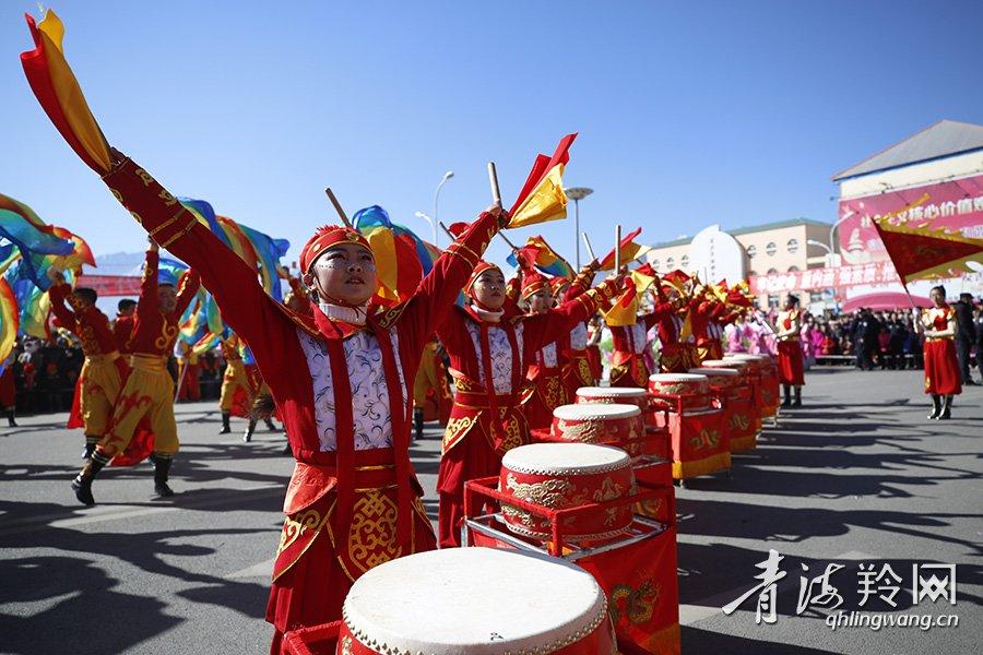 海西蒙古族藏族自治州体育中心,聚集了来自德令哈市区,周边乡镇的上