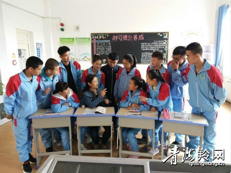 西宁市聋哑学校  肖春熙
