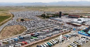 茶卡景区日接待游客近三万