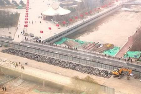 寒冬里西宁五四桥改造工程施工忙
