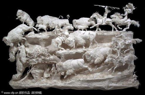 青羚网-美艺术家制作立体纸张雕塑