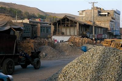 民和县马营镇占道施工现象泛滥