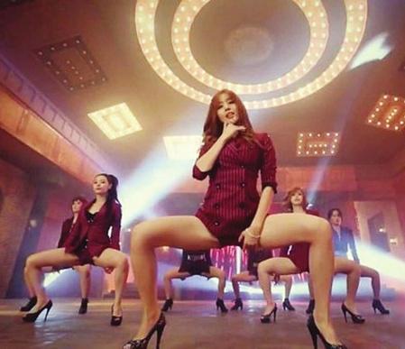 青羚网 韩国女子组合舞蹈屡现八字腿